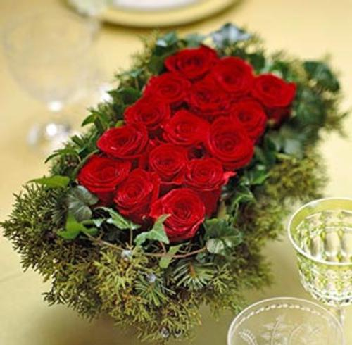 centro de mesa navidad rosas rojas Más Ideas de Centros de Mesa y Arreglos Florales para Navidad