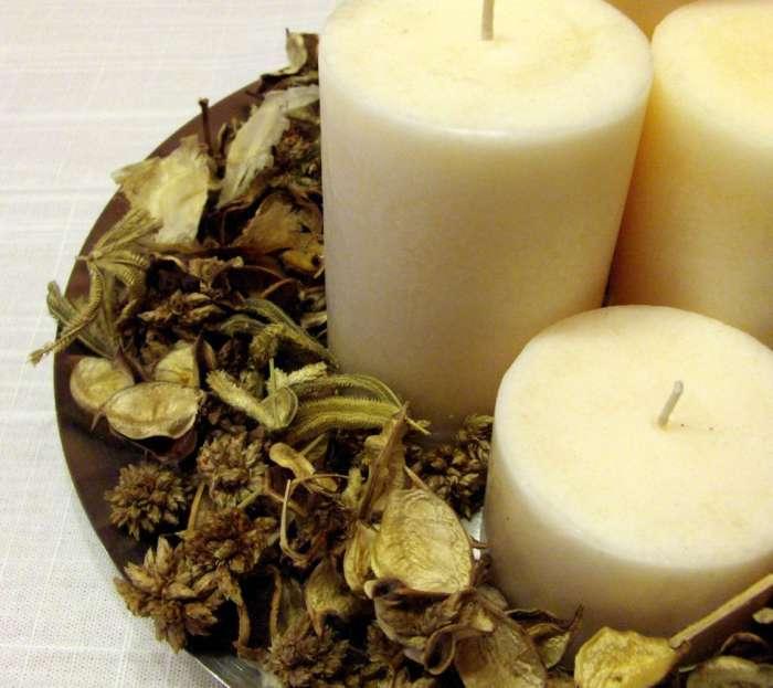 centro de mesa navidad velas potpurri Más Ideas de Centros de Mesa y Arreglos Florales para Navidad
