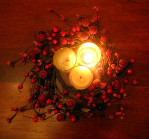 centro mesa navidad vela bayas Ideas de Centros de Mesa para Navidad