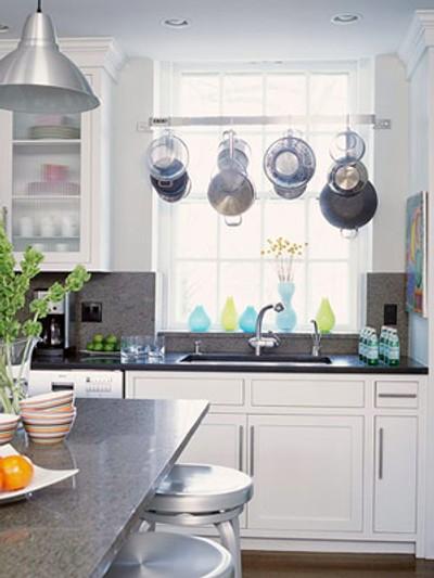 tips utiles cocinas pequenas colgadores 1 Tips Útiles para Cocinas Pequeñas: Colgadores