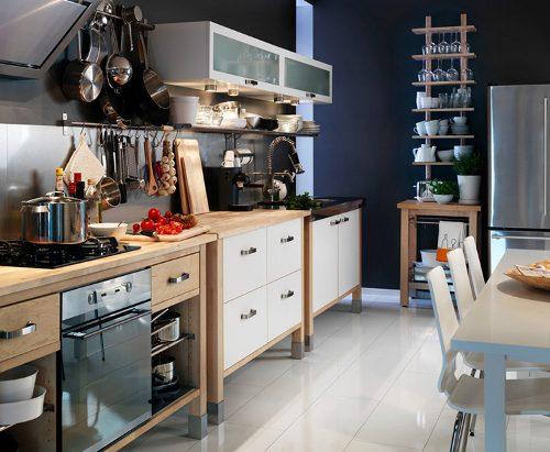 tips utiles cocinas pequenas colgadores 3 Tips Útiles para Cocinas Pequeñas: Colgadores